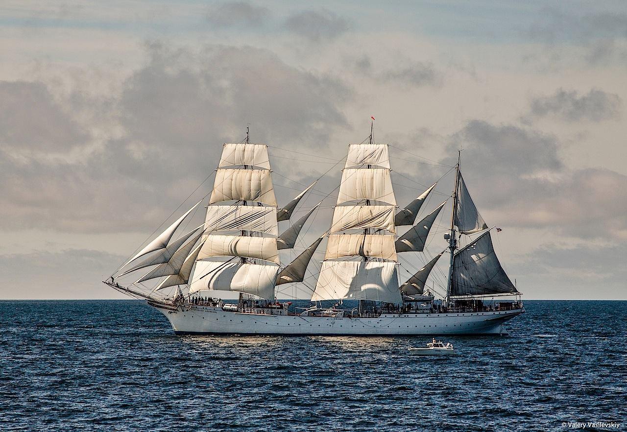 Największy norweski żaglowiec Statsraad Lehmkuhl w Tall Ships Races