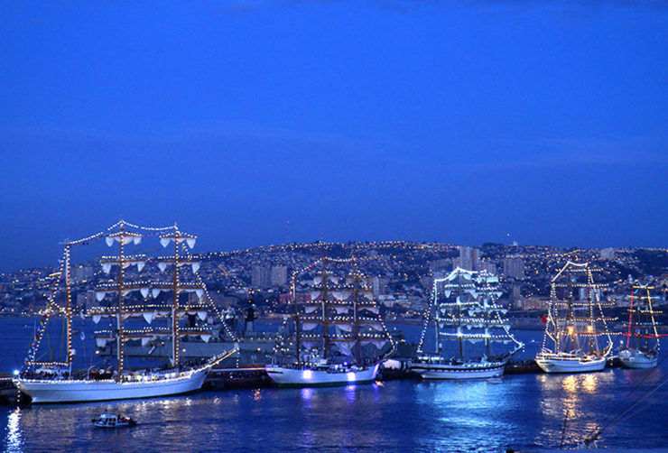 Żaglowce cumujące w Valparaiso