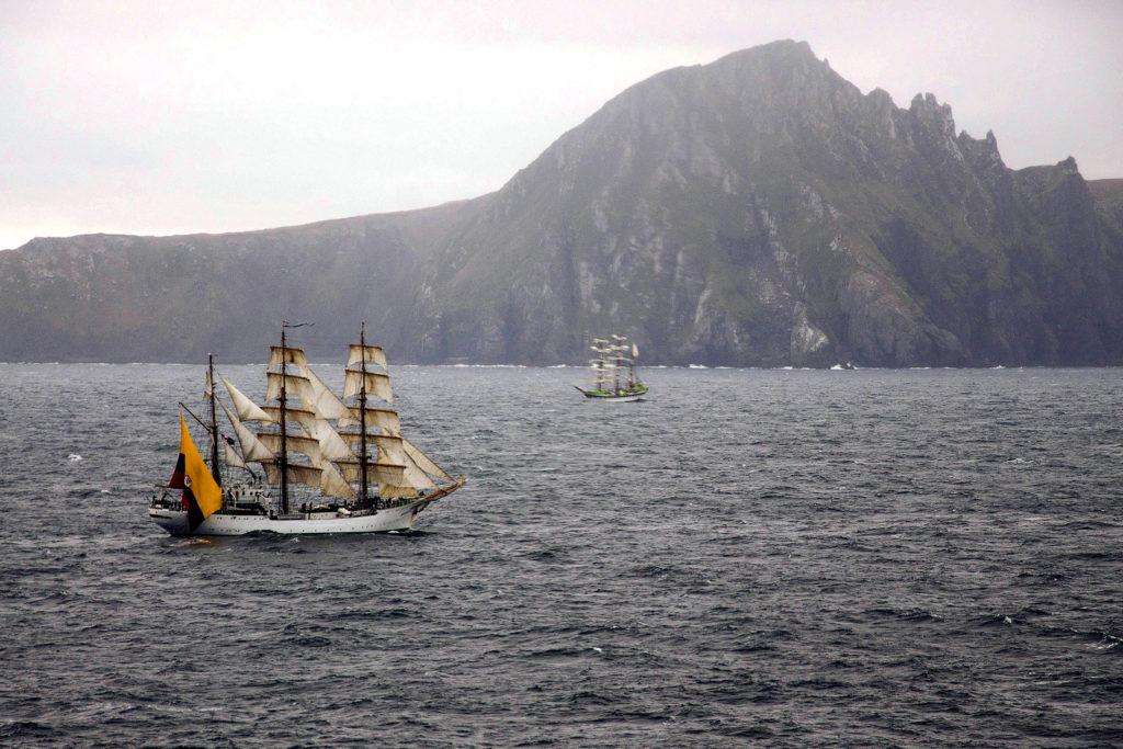 Flota Velas Latinoamerica mija przylądek Horn / fot. Armada de Chile