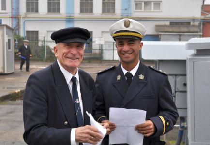 Po lewej konstruktor żaglowca - inżynier Zygmunt Choreń / fot. Krzysztof Romański