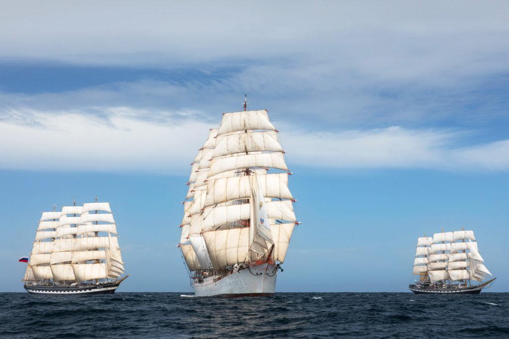Spotkanie Kruzneszterna, Sedova i Pallady na południowym Atlantyku / fot. Russian Sails 2020