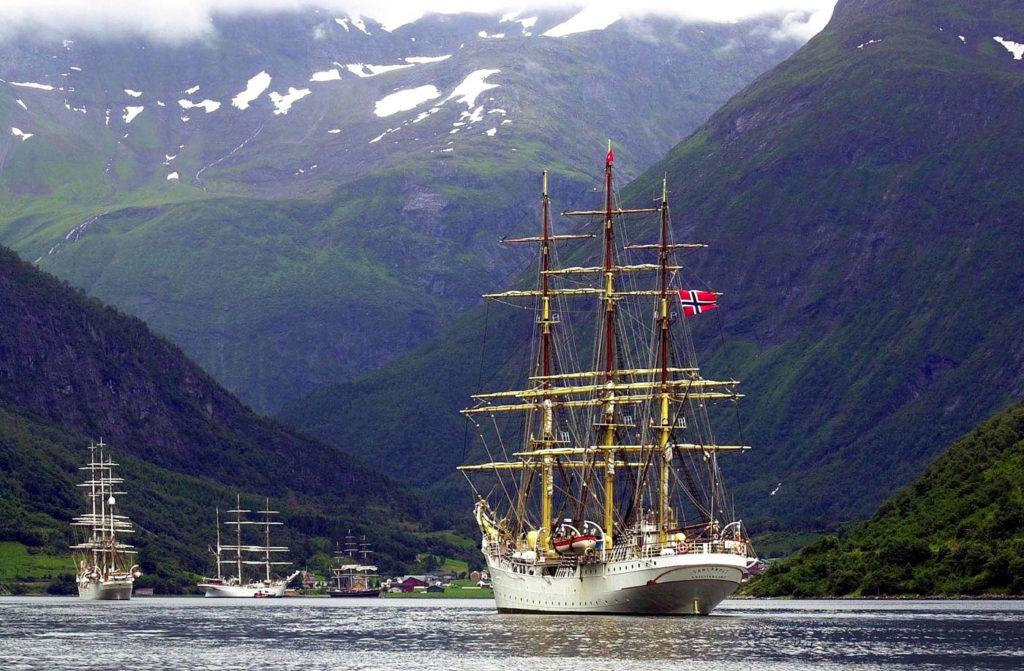 Wizyta norweskich żaglowców we fiordach