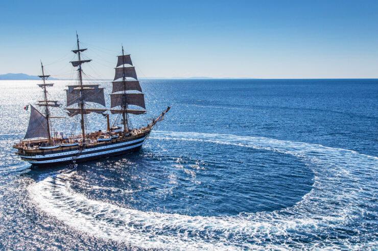 Fregata Amerigo Vespucci