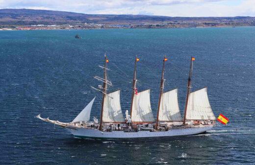 18 października 2020 roku. Juan Sebastian de Elcano na wodach Cieśniny Magelllana podczas uroczystości 500-lecia jej odkrycia